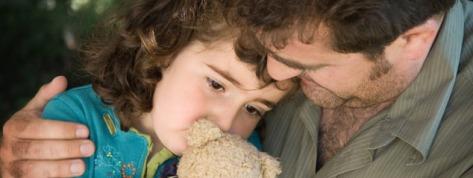 2014-10-21-fathercomfortingchild